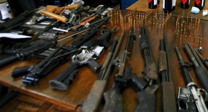 Directorul general al Uzinei Mecanice Sadu, reţinut într-un caz de trafic de armament