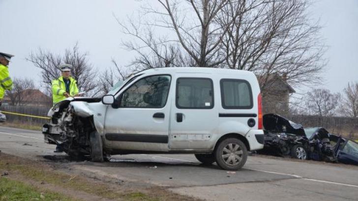 Dolj: Accident cu cinci victime la Teasc