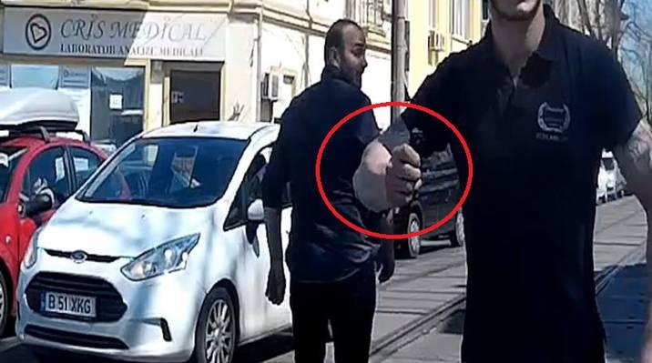 Incident ȘOCANT în traficul BUCUREȘTEAN! S-a dat jos cu CUȚITUL la un biciclist.