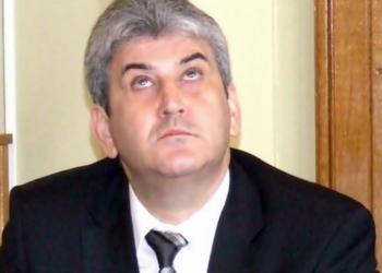 Rîsu' – plînsu' constituțional   Iohannis nu e obligat să-l numească premier interimar pe Găbiță Oprea