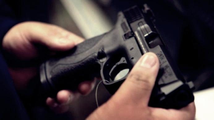 Două kilograme de mercur şi un pistol, descoperite în portbagajul unui bărbat din Teleorman