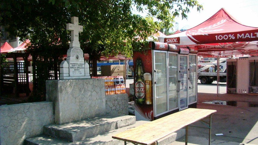 Alexandrenii, ŞOCAŢI | Mici şi bere în memoria decedaţilor
