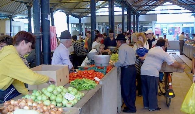 Alexandria: Piaţă bogată, dar cam scumpă