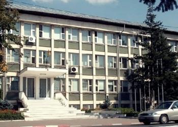 Primarii care refuză să arboreze drapelul României își vor pierde mandatul