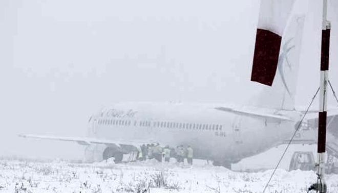 Peste 100 de români au fost la un pas de moarte. Avionul în care se aflau a ratat aterizarea la Cluj