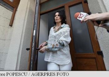 http://www.comisarul.ro/articol/bombonica-prodana-fosta-sotie-a-taranului-la-dna_732044.html