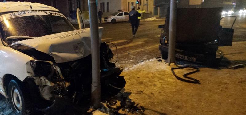 VIDEO | Accident în Alexandria. Două persoane au fost rănite