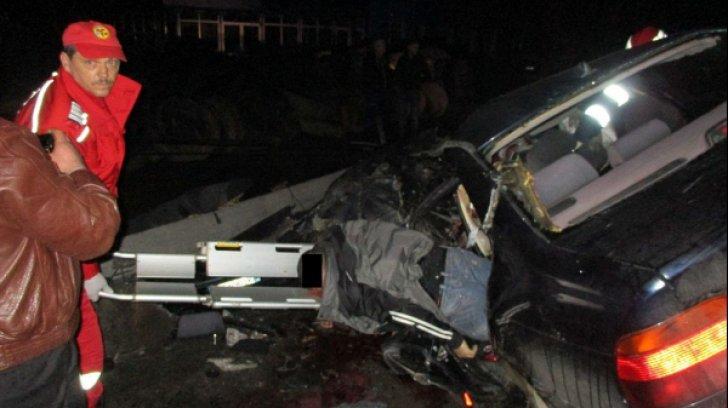 Accident grav în a două zi de Paşte! Patru tineri au murit într-un accident pe DN 17D