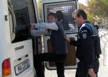 Spargeri şi furturi în plină zi. Un copil de 8 ani este acuzat de furt