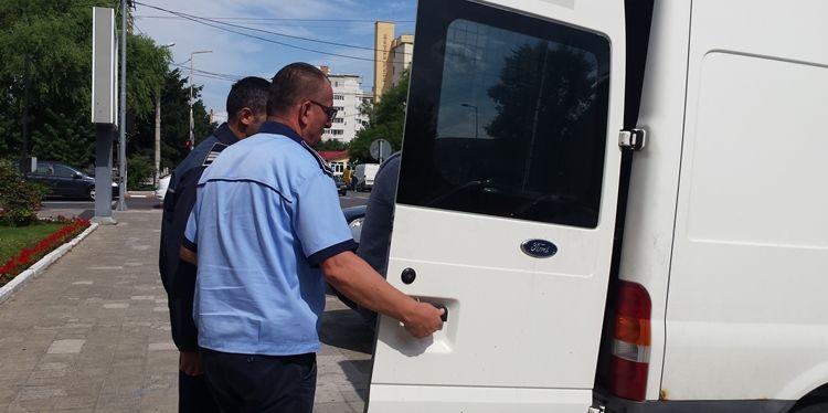 Doi tineri din Ciolăneşti, arestaţi pentru TÂLHĂRIE.