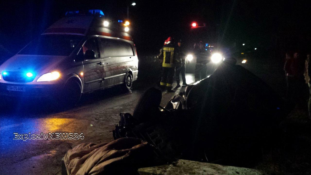 VIDEO   Accident în comuna Plosca. Doi tineri din Caracal au fost transportaţi la Spitalul din Alexandria