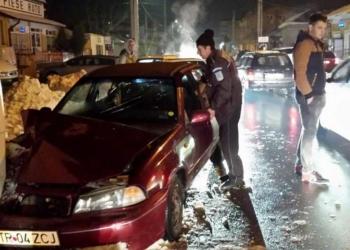 Un polițist local din Alexandria s-a urcat băut la volan și a făcut accident