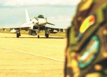 Un avion militar s-a prăbuşit la Bacău