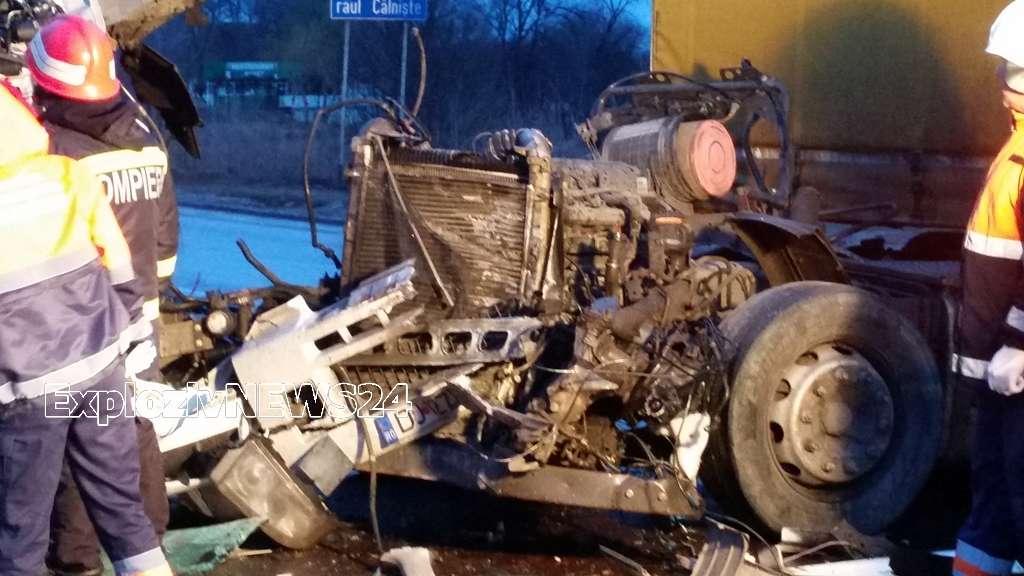 Accident grav pe E70, în localitatea Drăgănești Vlașca, între două TIR-uri