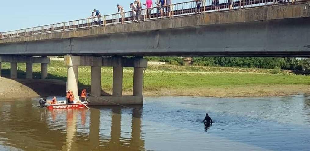 Minor căzut în râul VEDEA, căutat de pompieri