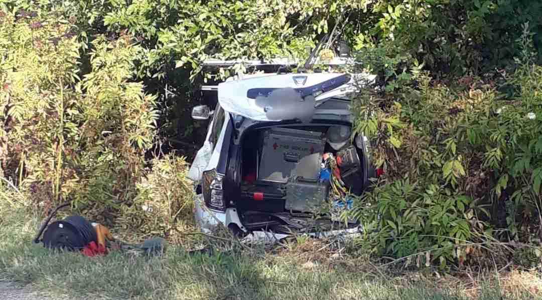 Accident rutier grav la ieşire din Alexandria. Trei persoane au ajuns la spital